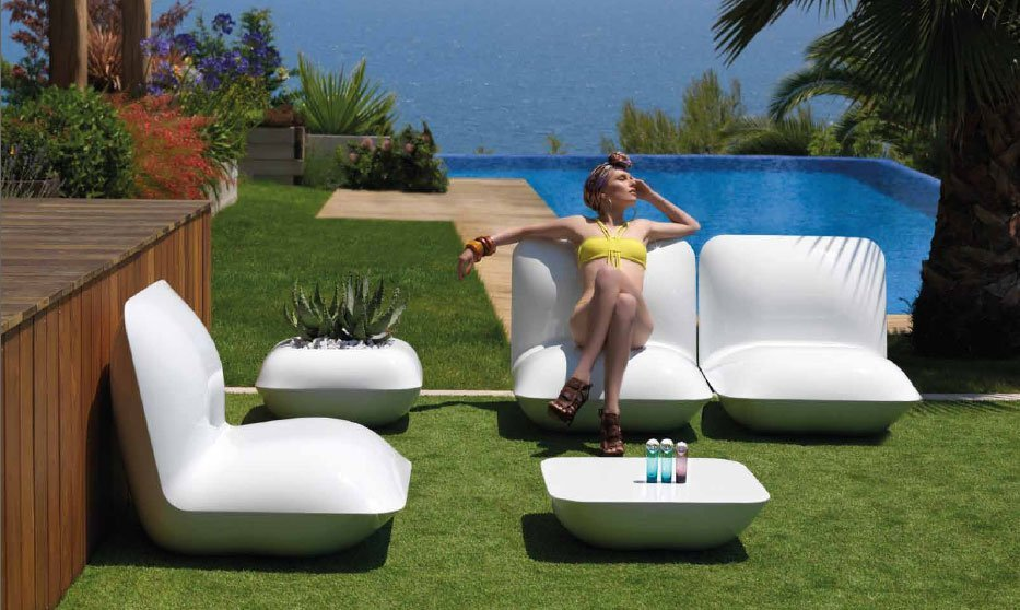 Sillones pillow de vondom for Muebles de jardin de resina