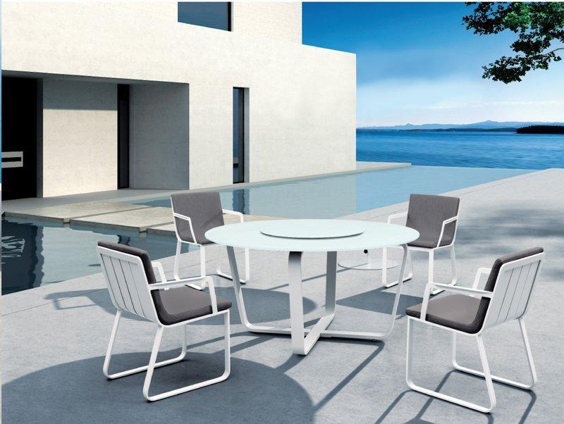 Mesa y sillas vero para terraza for Mesa de terraza con quitasol