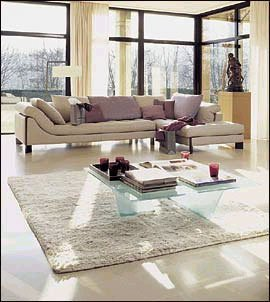 Salones en chalets sobrios y elegantes Roche bobois muebles