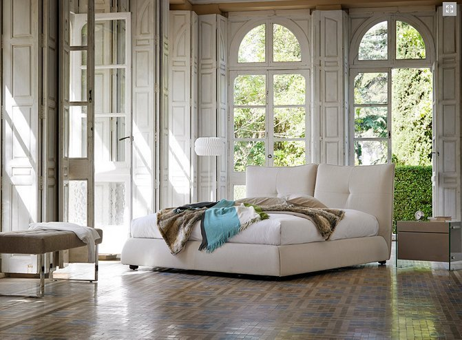 Cama tapizada modelo one for Muebles casal valencia